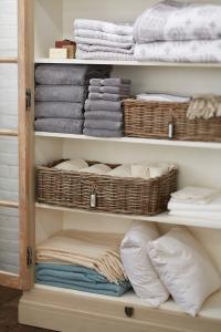 organize_a_linen_closet_1
