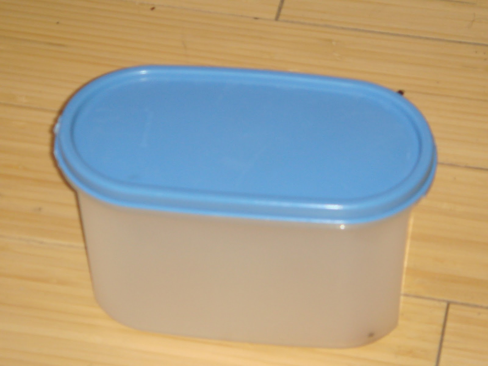 Clear Tupperware Containers After They Get Kinda Old And Overused Are Good  As Mini Storage For Loose, Small Items Such As Paper Clips And Buttons And  Coins.